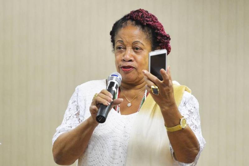 Ministra pede salário de R$ 61 mil ao governo e se justifica citando escravidão