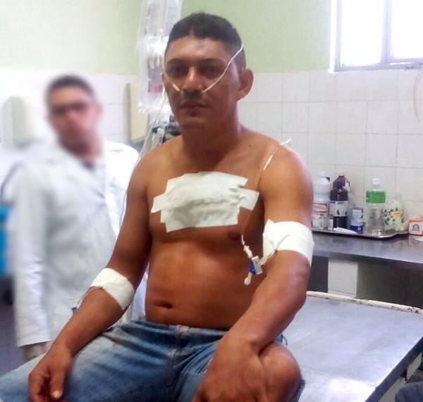 Após tentar matar desafeto, homem rouba moto e sofre grave acidente