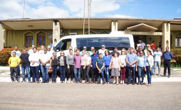 São Pedro do Piauí recebe 4 veículos e equipamentos permanentes para UBS's