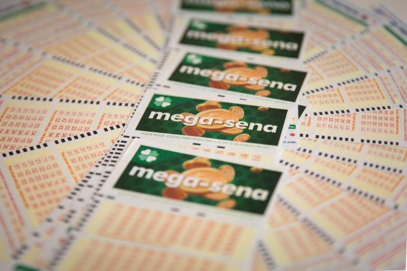 Mega-Sena acumula e pode pagar R$ 5 milhões na quarta-feira