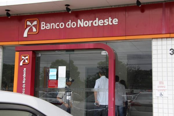 BNB abre concurso com vagas para Bom Jesus e Corrente; salário até R$ 4,9