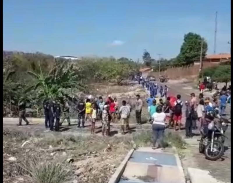 Famílias ocupam terrenos na zona sul de Teresina e PM é acionada