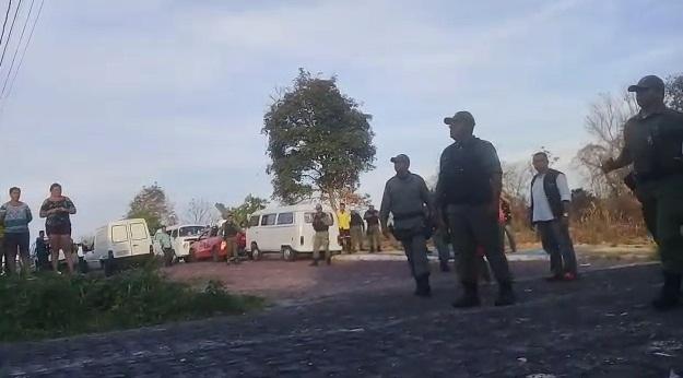 Policiais militares proíbem crianças de jogar bola em Teresina; vídeo