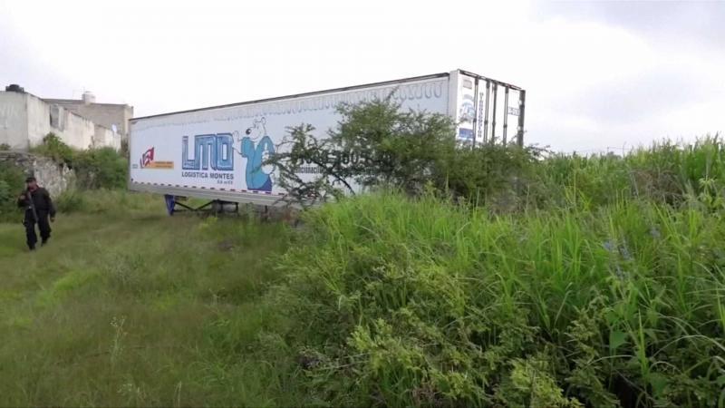 Polícia mexicana encontra caminhão abandonado com 150 corpos