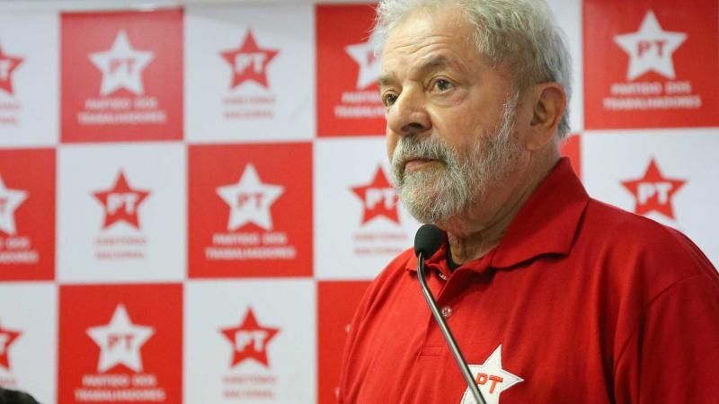 PT gasta R$ 1,5 milhões com advogados de Lula
