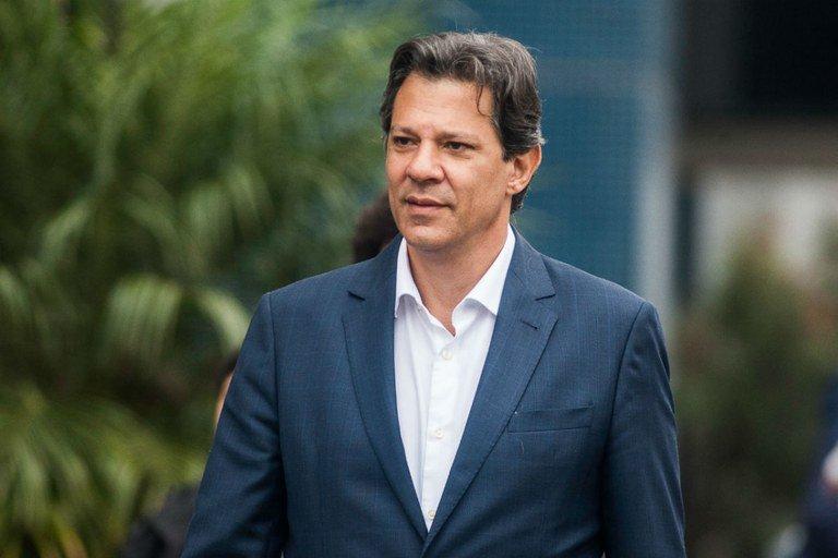 Só louco dispensaria os conselhos de Lula, diz Haddad
