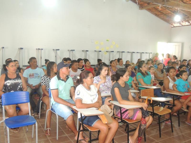 Reunião com pais e monitores do programa