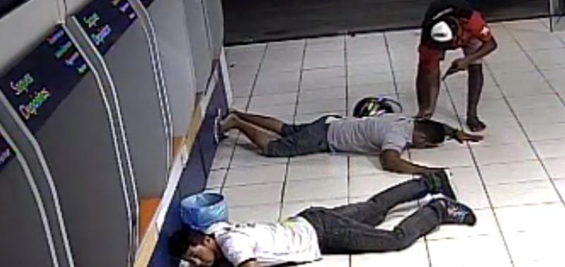 Criminoso invade agência da Caixa e rende clientes no Piauí