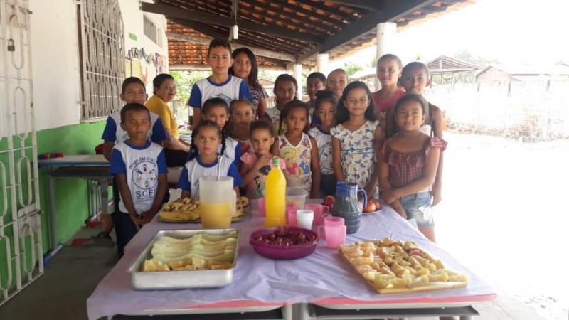 Lanche é distribuído na palesta 'Alimentação Saudável' em Pau D'Arco