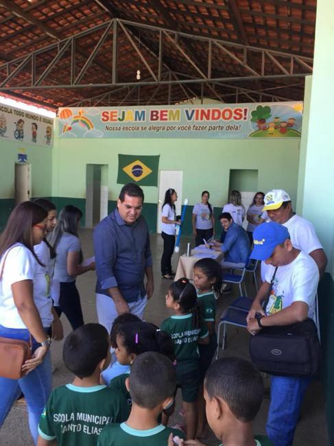 Programa saúde na escola realiza atendimento na escola Policarpo de Abreu