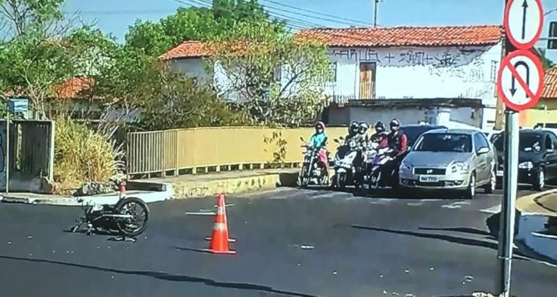 Acidente deixa casal ferido na avenida Miguel Rosa