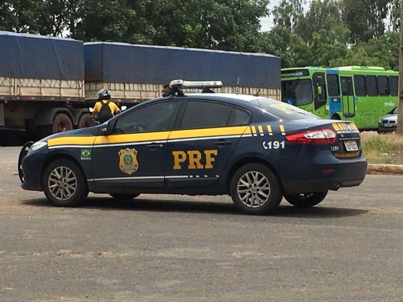 Colisão entre três veículos na BR-343 deixa mortos e feridos