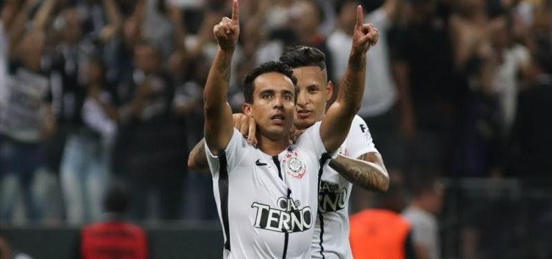 Imagem de suposta nova terceira camisa do Corinthians vaza na internet