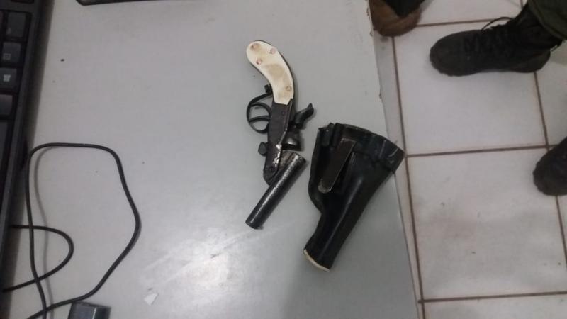 Menor é detido com arma de fogo em São Gonçalo do Gurguéia