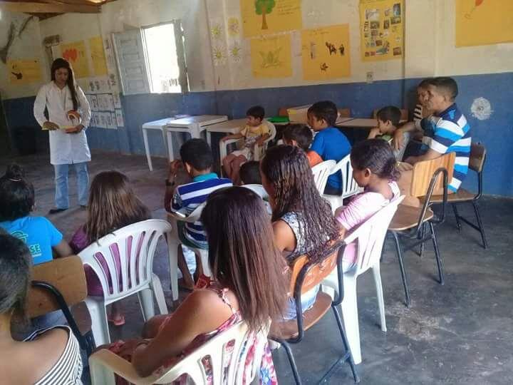 Secretarias realizam encontro com dentista e crianças em Curralinhos