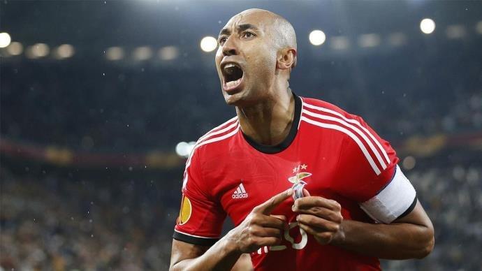 Luisão encerra carreira como jogador de futebol