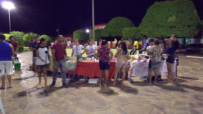 Feira do Empreendedor dos alunos do PRONATEC foi um sucesso  em C. Largo-PI