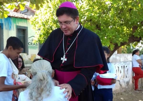 Dom Francisco de Assis é recebido com alegria em sua primeira visita a Cabeceiras do Piauí