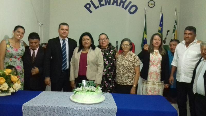 Atuais e ex-vereadores se congratularam na data comemorativa.