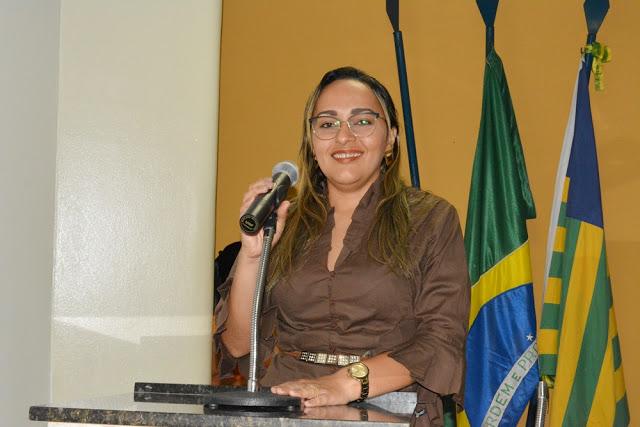 Hélvia Almeida destaca importância de projeto aprovado