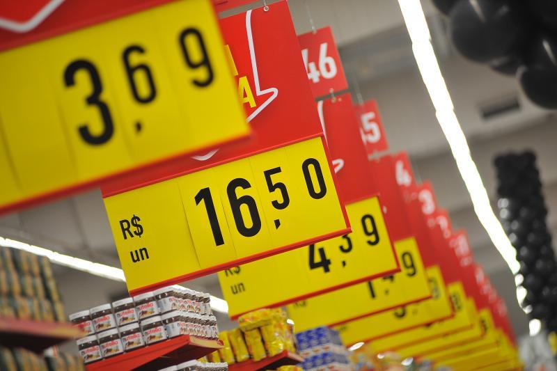 Inflação de setembro sobe e ultrapassa centro da meta em 12 meses