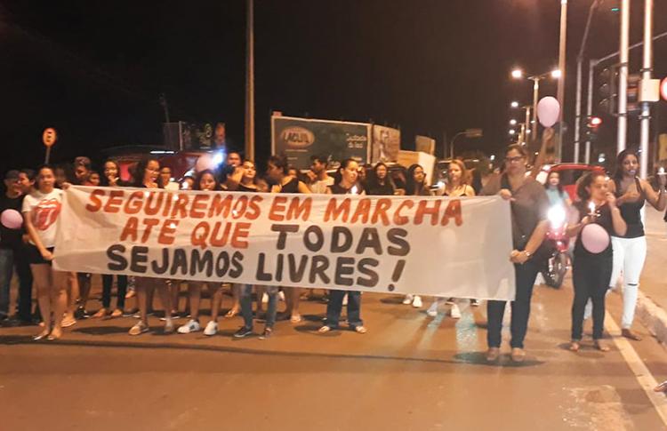 Grupo de Mulheres de Uruçuí realiza caminhada contra feminicídio