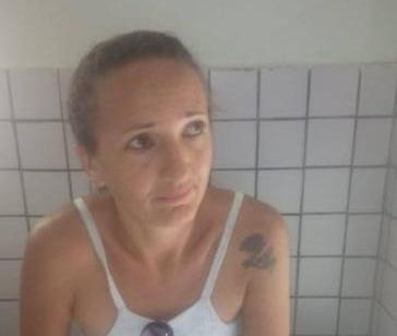 Mulher é presa suspeita de tráfico de drogas em Valença