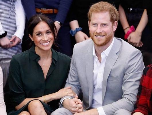 Meghan Markle e príncipe Harry anunciam que serão pais