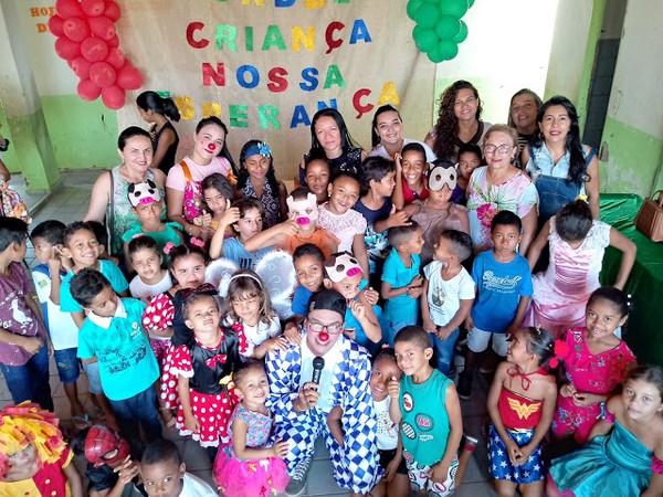 Escola Eduardo Matias no Bairro Coqueiro