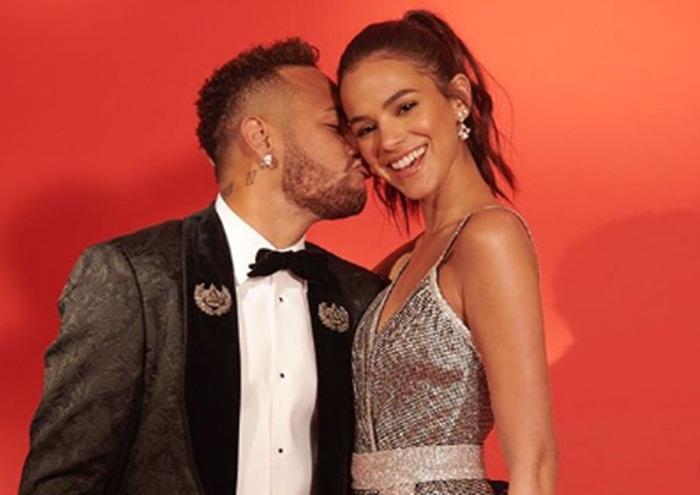Bruna Marquezine e Neymar dão indícios de novo término