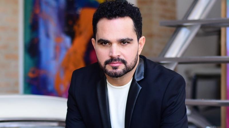Ex-esposa de Luciano Camargo ataca o cantor nas redes sociais