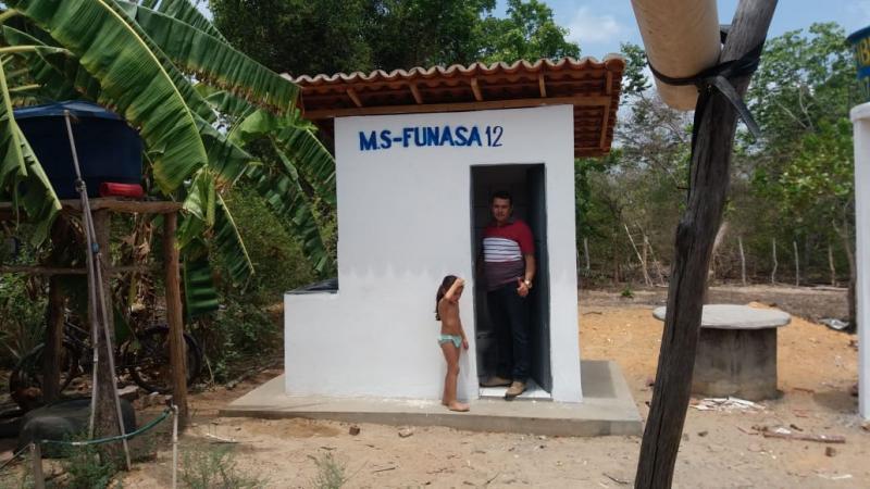 Prefeitura Constrói Banheiros Sanitários na Zona Rural