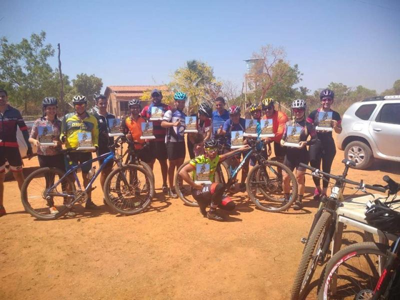 Grupo de ciclismo Cerrado Racing-MTB realiza tour na zona rural de Gilbués