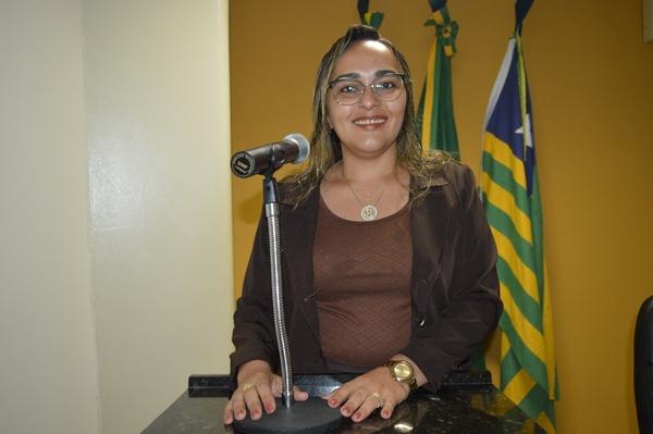 Vereadora Hélvia Almeida - PSD, apresenta ofício ao EMATER