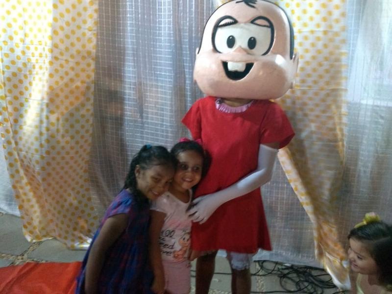 Crianças tem noite de festa em comemoração ao seu dia em Beneditinos