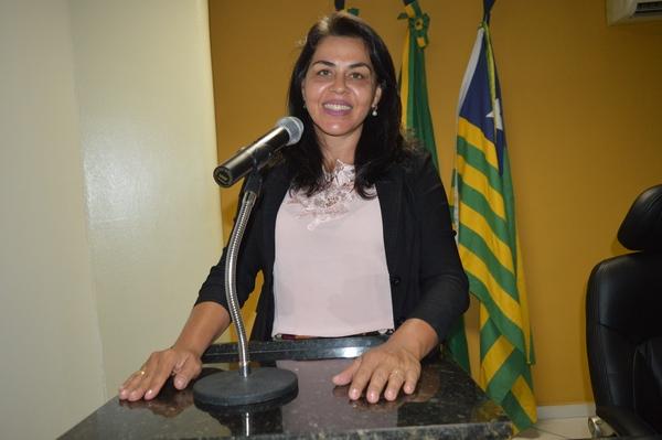 Vereadora Surama Martins - DEM, destaca homenagem ao Vaqueiro em Feira IEEB