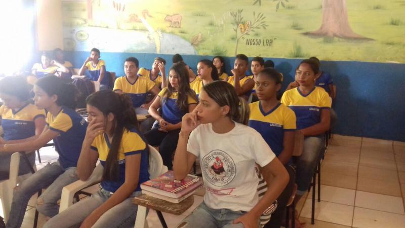 Escola de Olho D'água trabalha prevenção da gravidez na adolescência
