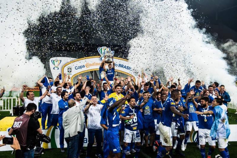 Cruzeiro vence e se torna o maior campeão da Copa do Brasil