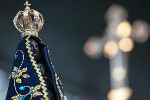 Projeto retira de Nossa Senhora título de padroeira do Brasil