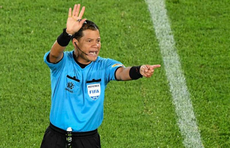 Conmebol define arbitragem dos primeiros jogos da semifinal da Libertadores
