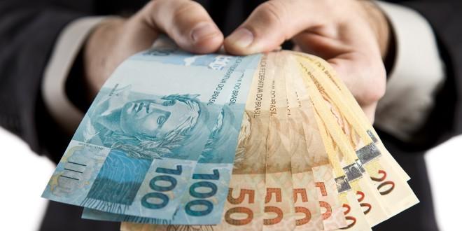 Pagamento do 13º salário injeta bilhões na economia