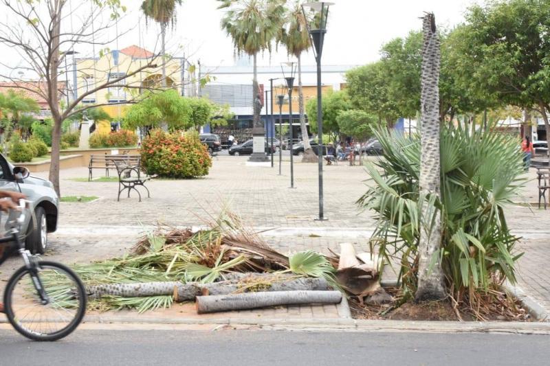 SEINFRA realiza reparos em locais atingidos pela chuva neste domingo (21)