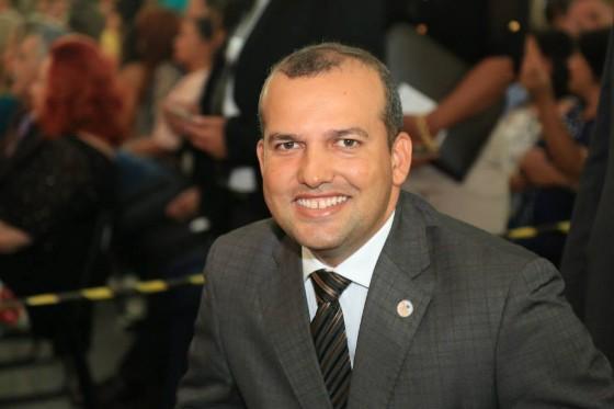 Presidente do PROS se entrega à Polícia Federal