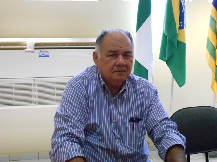 Promotor ingressa com ação contra prefeito por prática de nepotismo