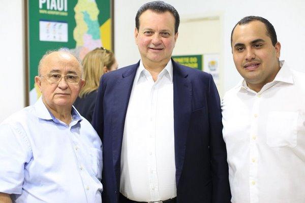 Georgiano Neto e Júlio César recebem os parabéns do Ministro Gilberto Kassa