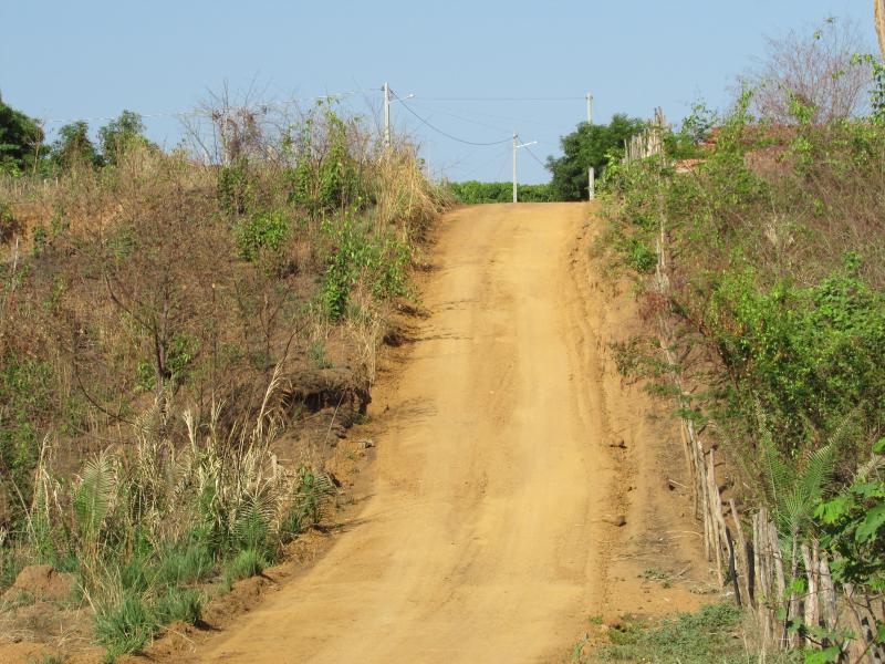 Prefeitura Municipal de Lagoinha do Piauí realiza reforma de estradas