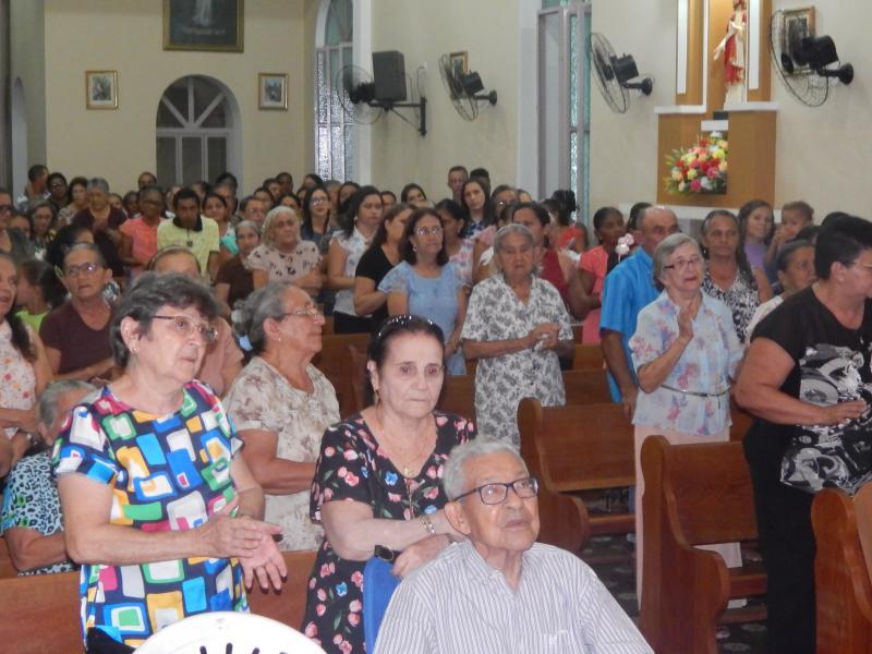 Igreja lota na primeira Novena dos Festejos de Beneditinos
