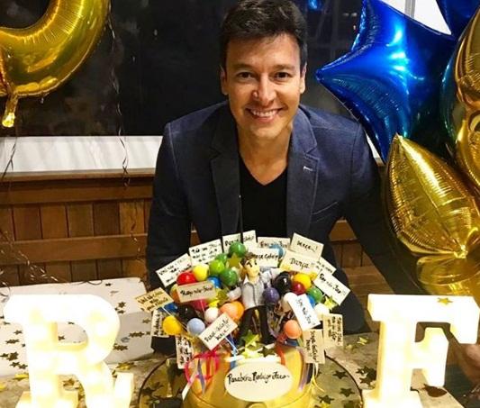 Rodrigo Faro faz festa com famosos para comemorar o aniversário