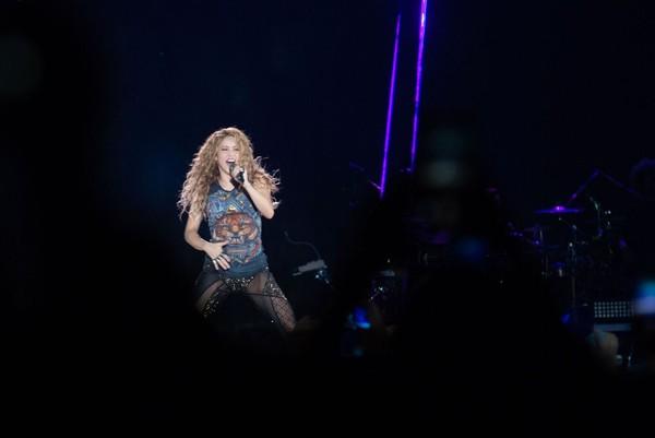 Shakira lota arena do Grêmio e encerra turnê no Brasil