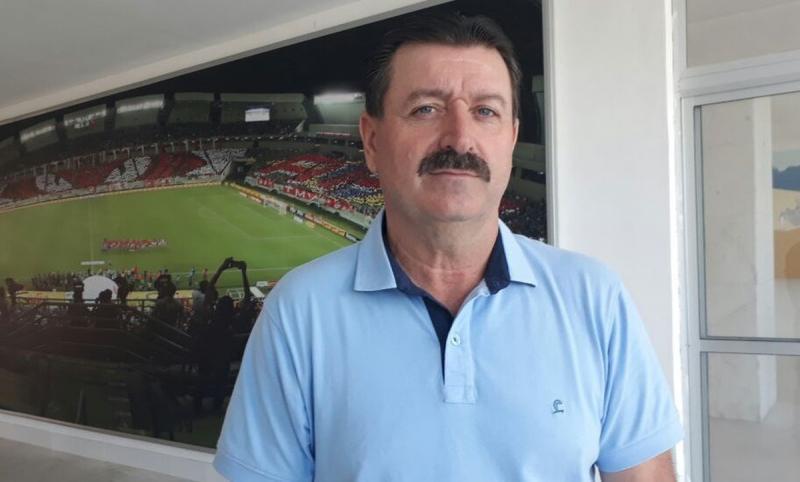 Leandro Campos é apresentado como novo treinador do Altos